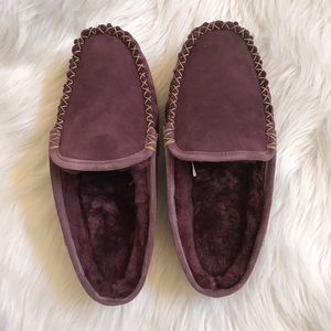 LL BEAN New in Box Wicked Purple Slippers